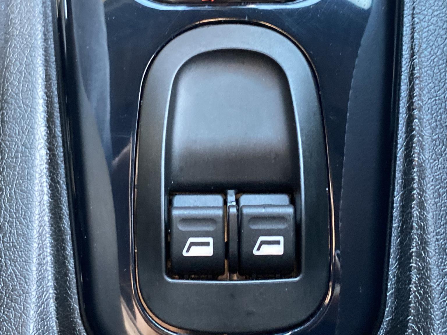 Ligier-JS60 L Chic Sun Color Line DCi - SUV! NIEUW MODEL-32