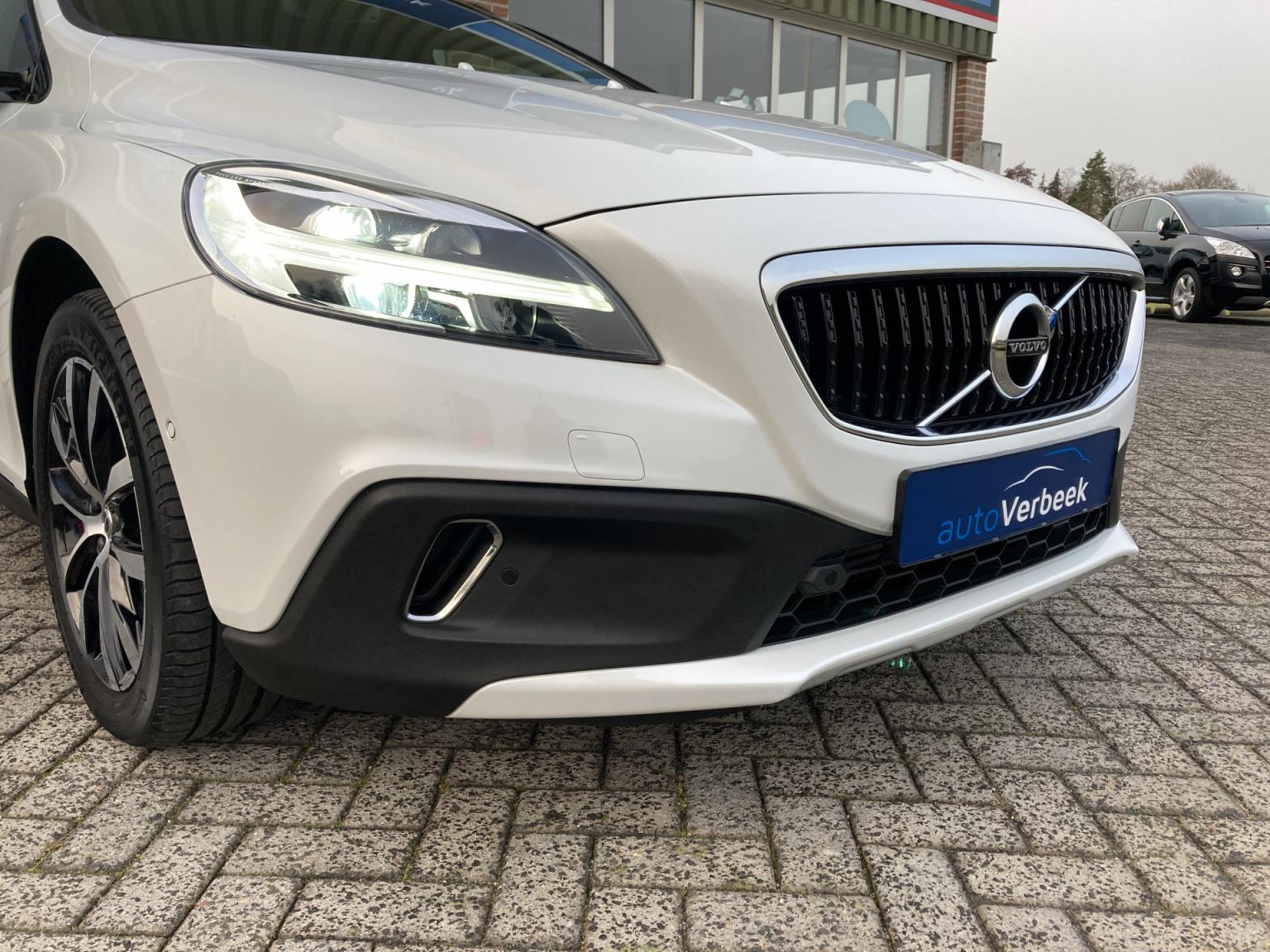 Volvo-V40-9