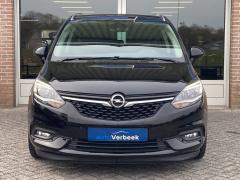Opel-Zafira-8
